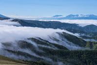 長野県 滝雲と南アルプス