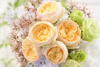 黄色いバラのブーケ