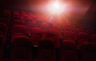 映画館の赤い座席