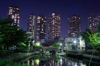 東京都 タワーマンションと下町の夜景