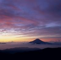 千枚岳 雲海と富士山