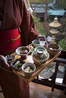 和食の給仕