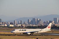 大阪国際空港 J-AIR JAL 移動