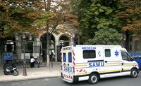 フランス パリ 救急車