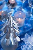 ツリーとキャンドルのクリスマスデコレーション