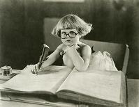 作家風の女の子