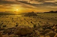 ナミビア トワイフェルフォンテイン・カントリ・ロッジ 夕景