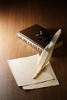 羊皮紙と羽ペン