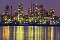 神奈川県 横浜市 夜の製油所