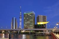 東京都 吾妻橋から隅田川と東京スカイツリーの夜景