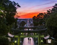 福岡県 夕焼けの宮地嶽神社 参道