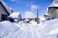 北海道 雪晴れの住宅地