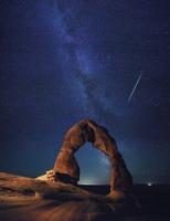 アメリカ合衆国 アーチーズ国立公園 デリケートアーチと天の川