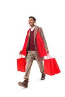 ショッピングをする男性