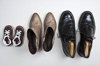 子供・大人の男女の靴