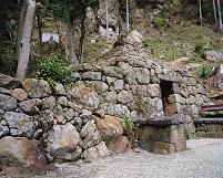 仏隆寺の石室