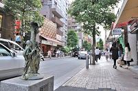 東京都   麻布十番大通り