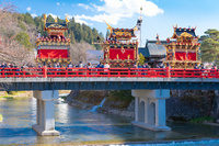 岐阜県 春の高山祭 中橋と屋台