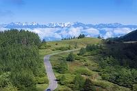 長野県 美ヶ原より美ヶ原公園沖線と北アルプス