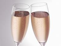 シャンパンロゼグラスで乾杯