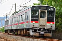 香川県 予讃線 カーブを曲がる7200系普通電車