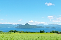 北海道 月浦の高台から見た洞爺湖