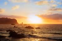 南伊豆海岸と朝日