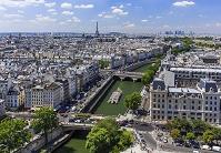 フランス パリ 市街 セーヌ河 奥:エッフェル塔 俯瞰