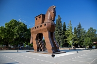 トルコ チャナッカレ郊外 トロイ遺跡 伝説の「トロイの木馬」