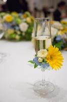 結婚式 グラス 花
