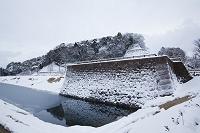 石川県 雪の金沢城公園鯉喉櫓台