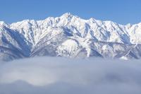長野県 雲海と五竜岳