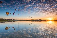 オーストラリア ハンター・バレー 気球と朝日