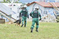 防災訓練 ‐ 倒壊建物等からの救出救助訓練 警視庁警備犬