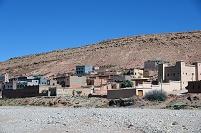 モロッコ カスバ街道で見られる地層(ダデス-ティネリール間)