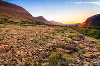 カナダ 夕日とグロス・モーン国立公園