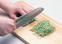 野菜の切り方 せん切り (キャベツ)
