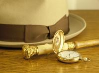 懐中時計とソフト帽