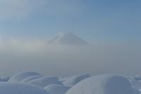 山梨県 大石公園 河口湖の霧と富士山
