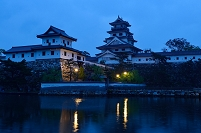 愛媛県 今治城 小雨の夜明け