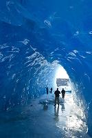 アラスカ メンデンホール湖 洞窟
