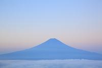 山梨県 西川林道 夜明けの富士山と雲海