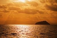 琵琶湖 竹生島の夕景