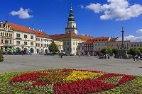 チェコ クロミェルジーシュ フェルケー広場と大司教の城の塔