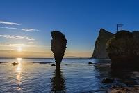 北海道 えびす岩と大黒岩と朝日