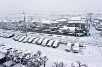 雪景色の住宅街