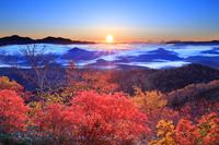 北海道 紅葉と日の出