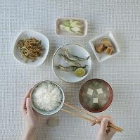 和食の並んだ食卓