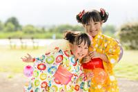 日本の夏祭り 浴衣の女の子