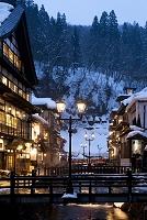 山形県 冬の銀山温泉
